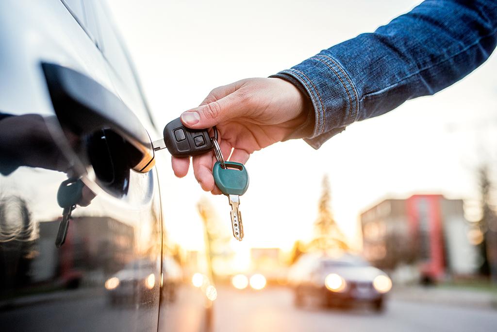 Comprar carro com consórcio vale a pena?